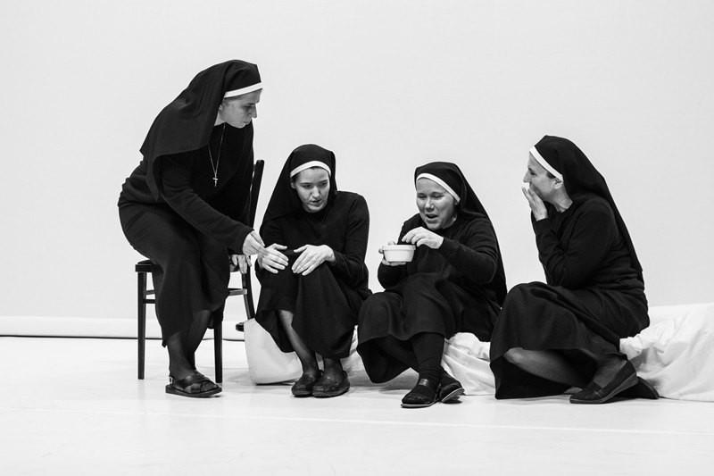 Dollár Papa Gyermekei // Denis Diderot: Az apáca