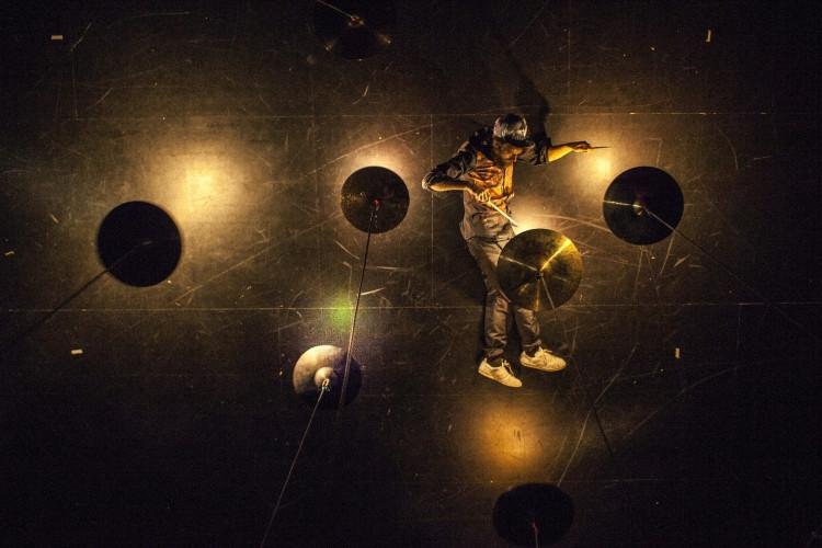 Hangistallációs koncert-színház Svájcból
