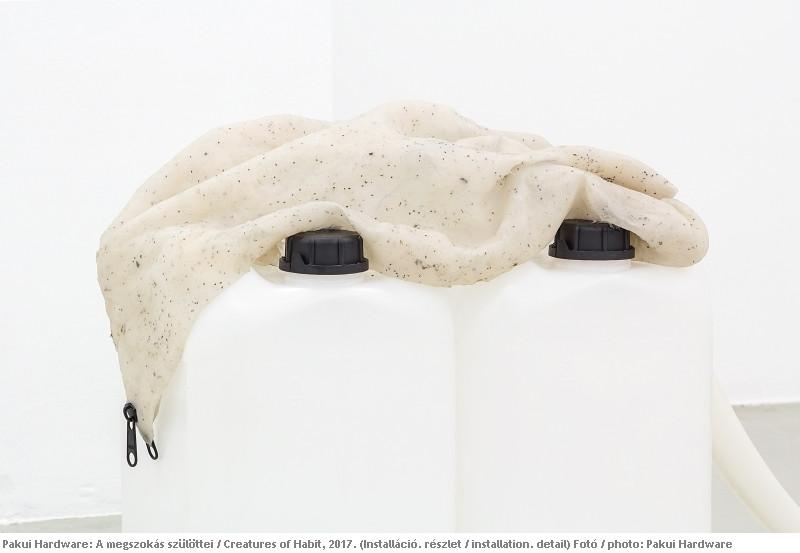 10-pakui-hardware-trafo-gallery-budapest-ugnius-gelguda-neringa-cerniauskaite-2017